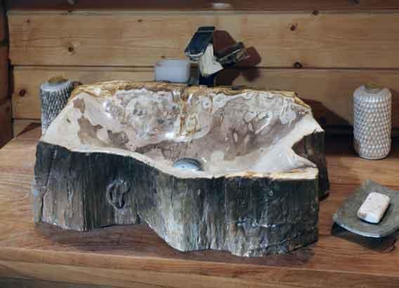 Раковина из искусственного камня