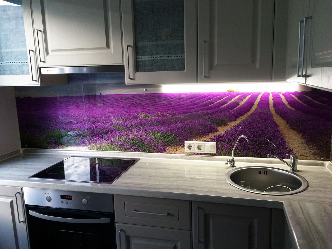 Как подбирать цвет фартука на кухне
